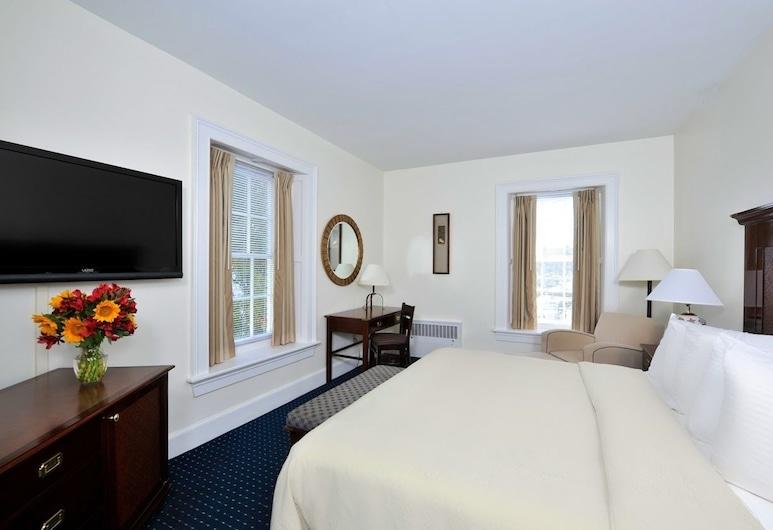 Jailhouse Inn, Newport, Deluxe Room, 1 King Bed, Guest Room