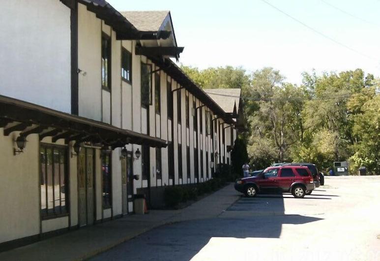 Budget Inn & Suites, Des Moines, Hotel Front
