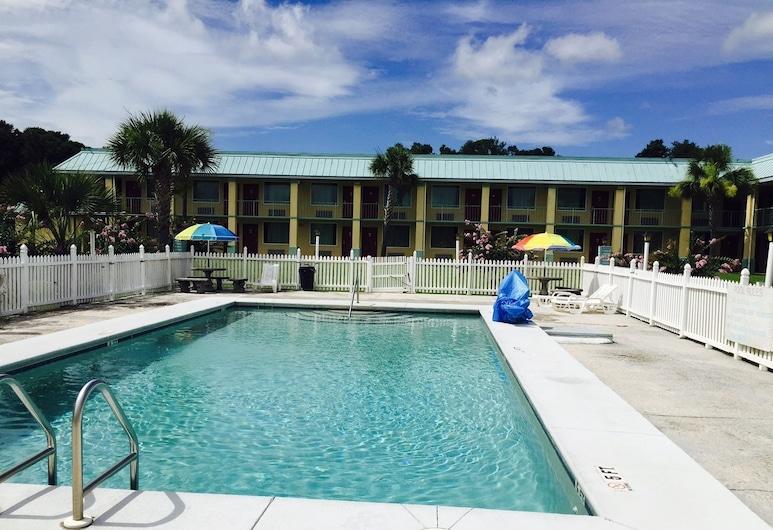 Garden Inn & Suites, Pensacola, Piscine en plein air