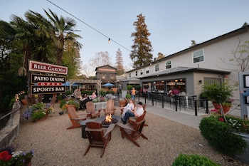 Picture of Calistoga Inn Restaurant and Brewery in Calistoga