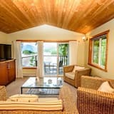 Ocean View Suite - Meals Included - Living Area