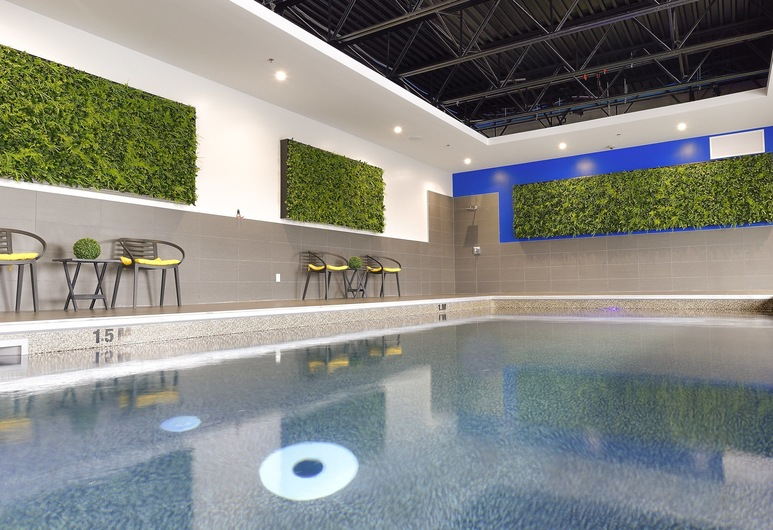 Holiday Inn Express & Suites Vaudreuil, an IHG Hotel, Vodrėjus, Baseinas