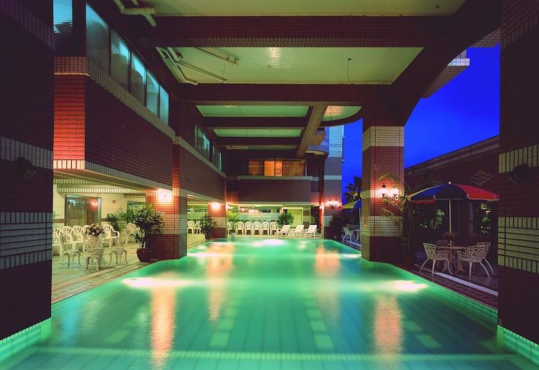鎮寶大飯店, 埔里鎮, 泳池