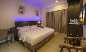 Picture of E-Red Hotel Cosmo in Penang