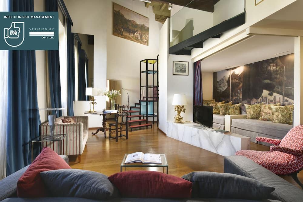 Deluxe Suite, River View (Split Level) - Living Area