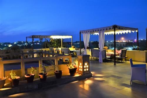古拉爾旅館/