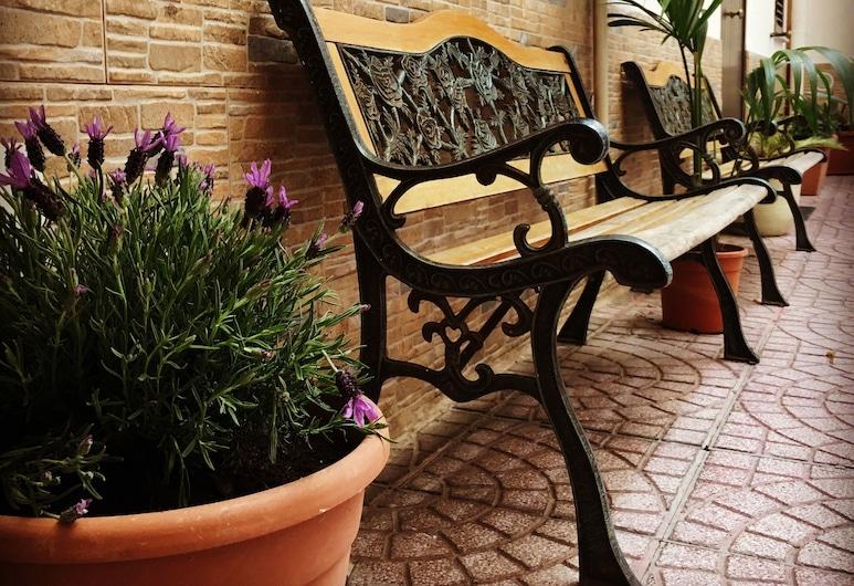 Cappuccini Flats, Palermo, Cortile