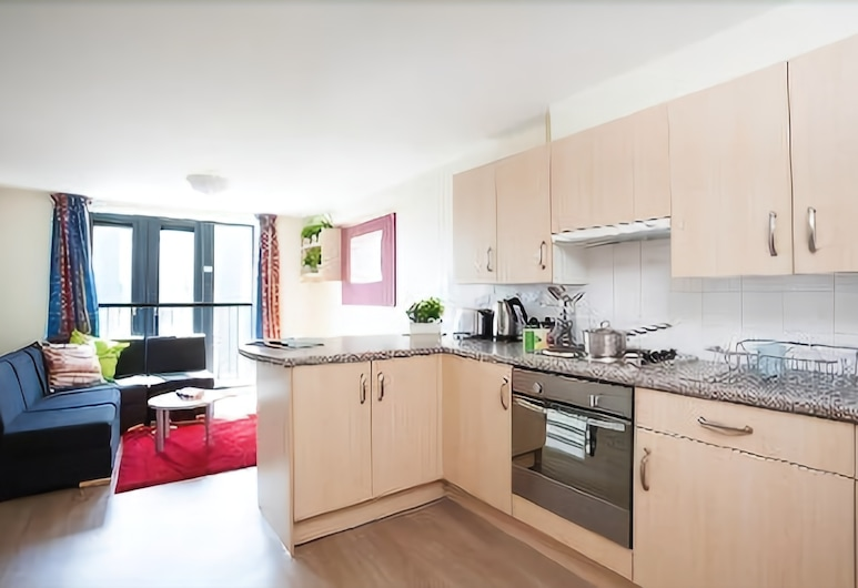 Portsburgh Court - Campus Accommodation, Edinburgh, Double Room (3/4 Size Small Double Bed), Living Area