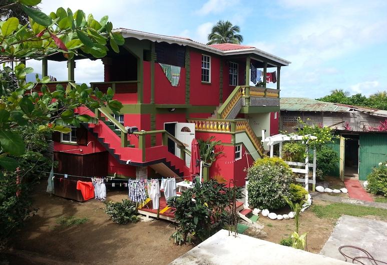 The Nixon's Bay Side Mangrove Inn, Калибиши, Фасад отеля