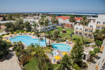 Picture of Mayfair Gardens Apartments in Paphos