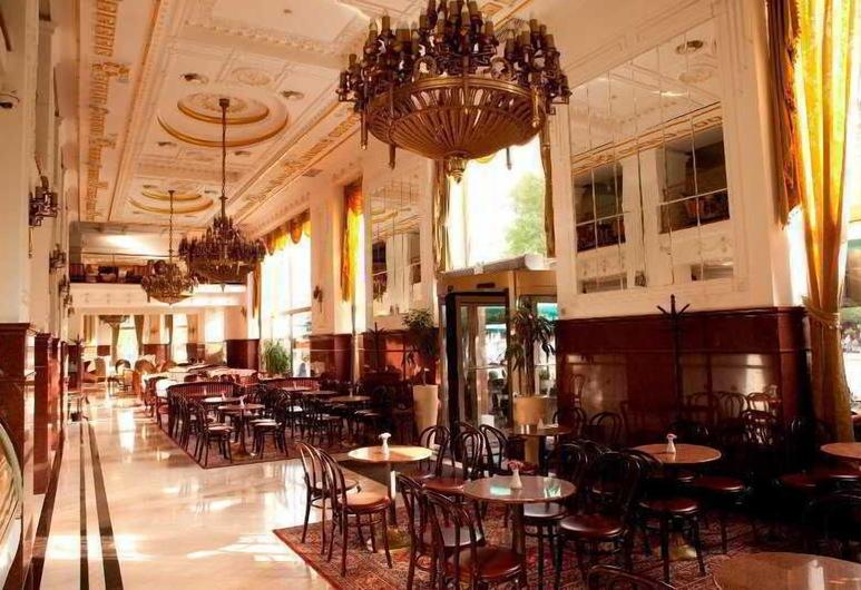 Moskva, Belgrade, Hotel Bar