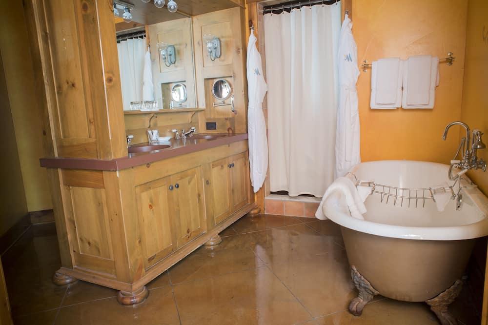 Superior Room, 2 Katil Kelamin (Double), Patio, Garden View (Main Inn Double Queen Patio) - Bilik mandi