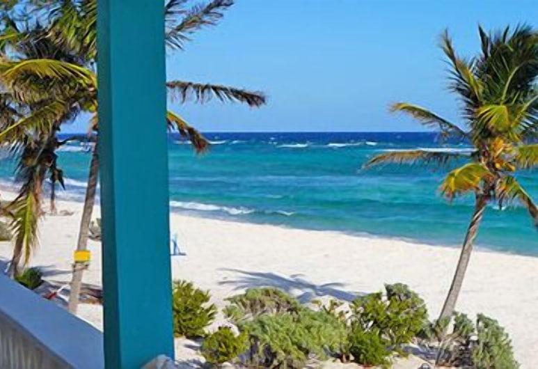 Cayman Brac Beach Villas, West End, Strand