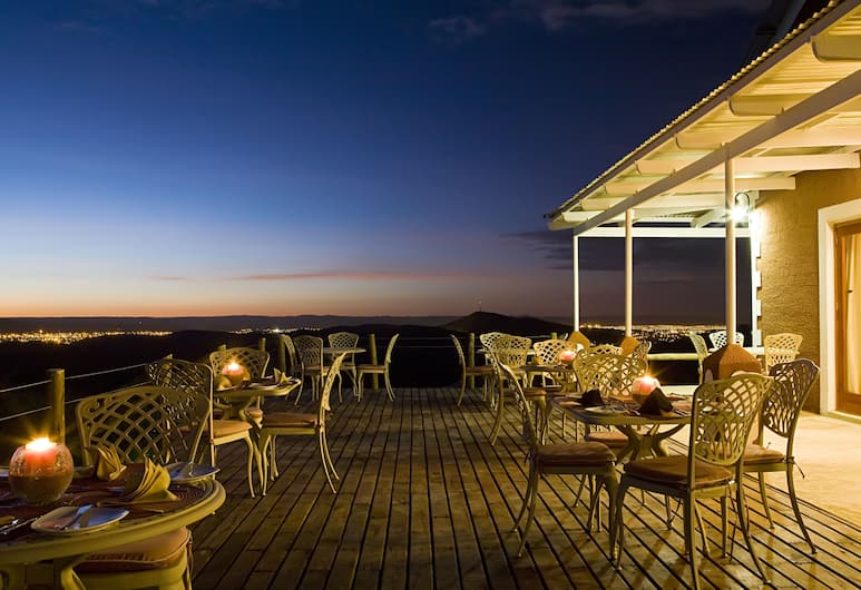 River Crossing Lodge , Windhoek, Terasa