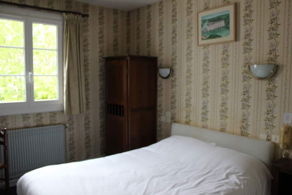 غرفة مزدوجة عادية - سرير مزدوج - منطقة المعيشة