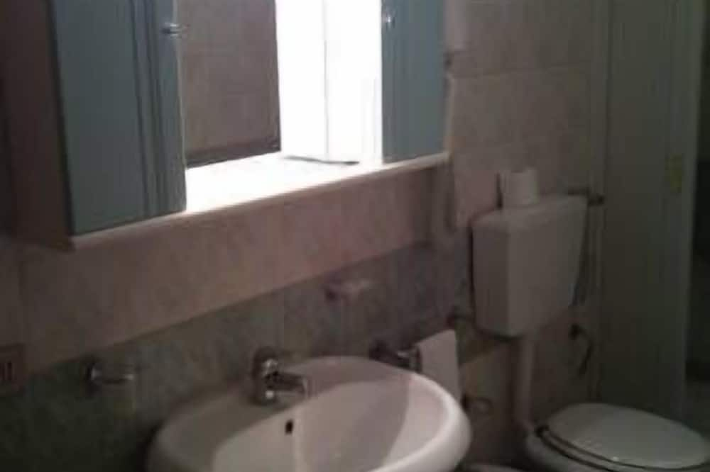 Standard Apartment, 1 Bedroom - Bathroom