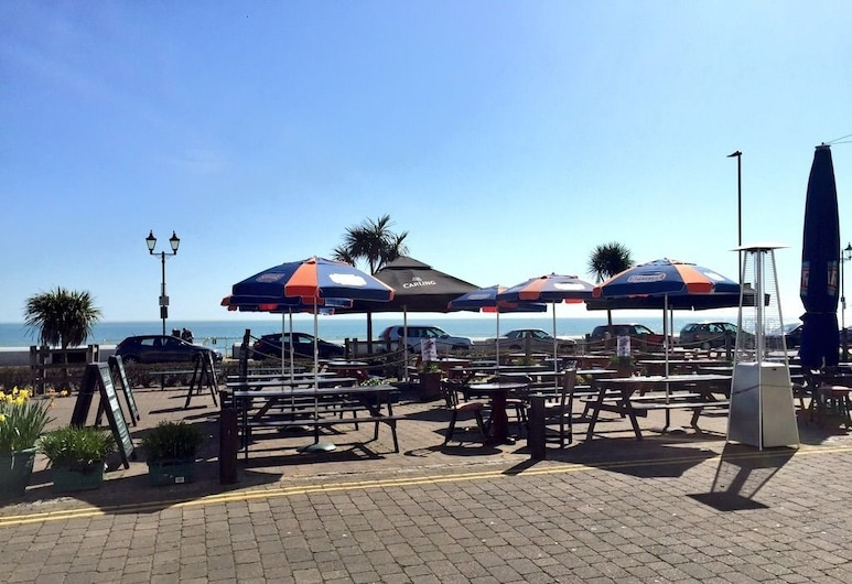 The Kings Head & Channel View, Deal, Terasa