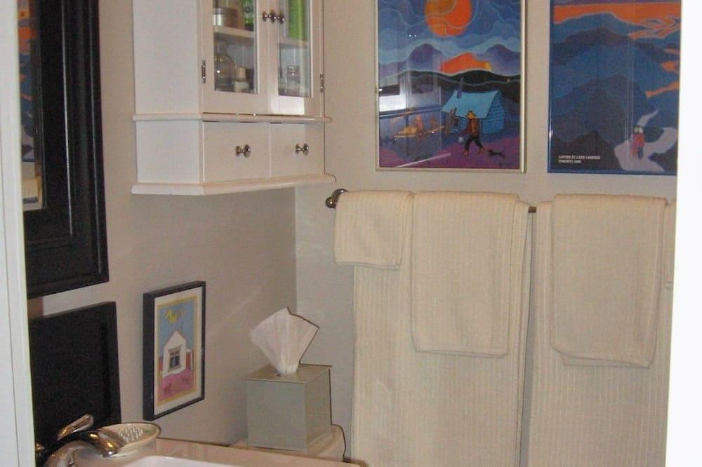 Номер-люкс категорії «Делюкс», 1 спальня, з видом на озеро - Ванна кімната