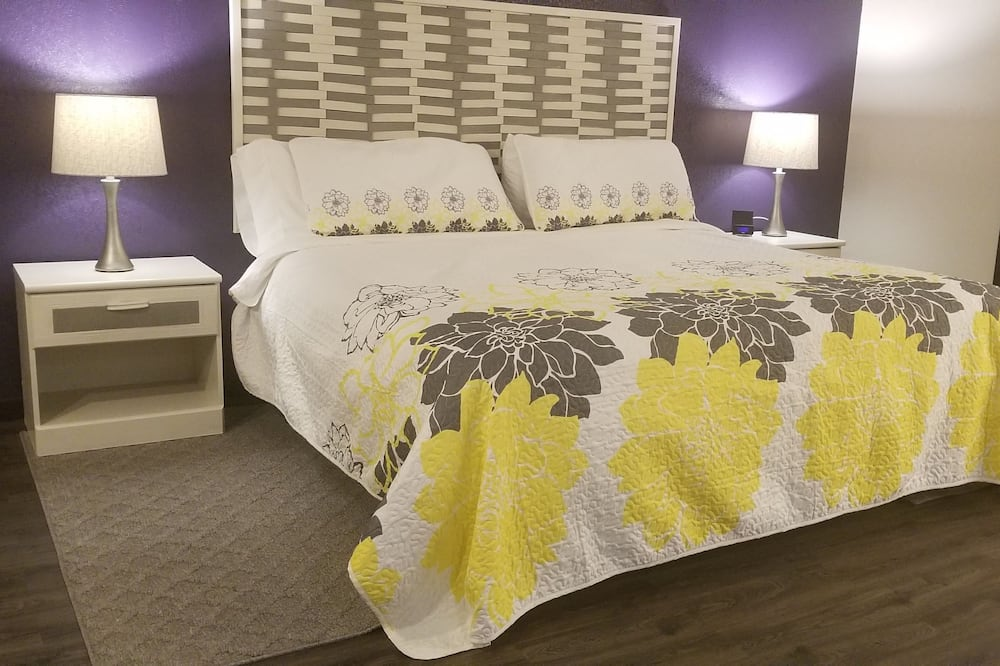 Romantic Suite, 1 King Bed, Allergy Friendly - Guest Room