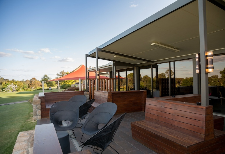 Bridges Villas at Cobram Barooga Golf Club, Barooga, Courtyard