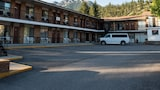 Hotel , Radium Hot Springs