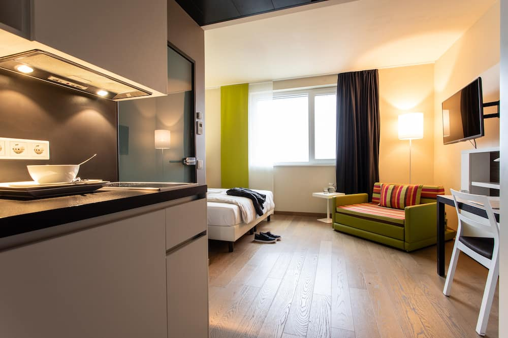 Apartament typu Business Studio, aneks kuchenny - Widok z pokoju