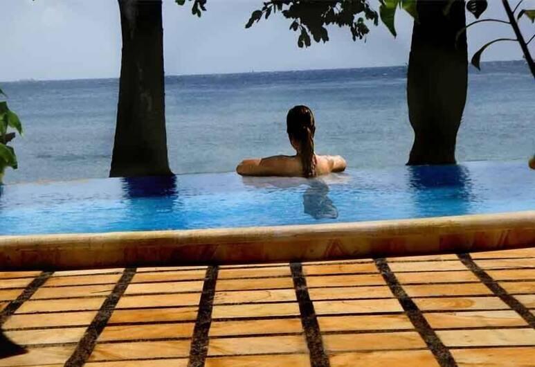 Bali Bhuana Beach Cottage, Karangasem, Hồ bơi ngoài trời