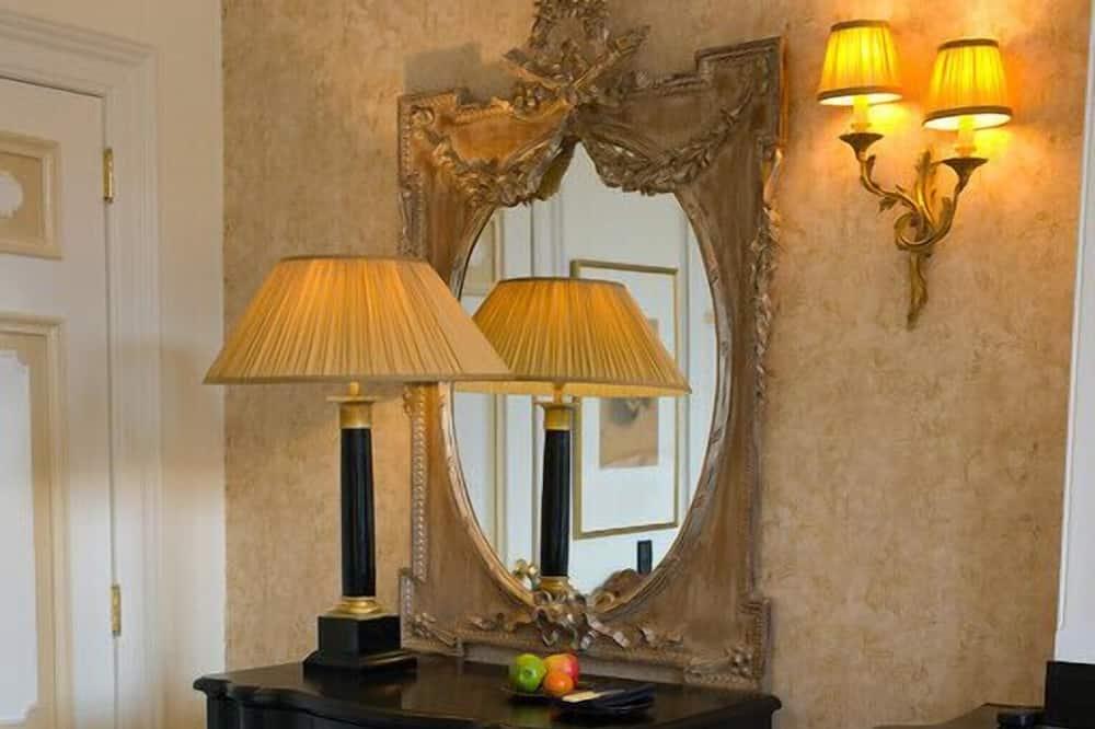 Royal Suite, 1 Bedroom, Balcony - Living Area