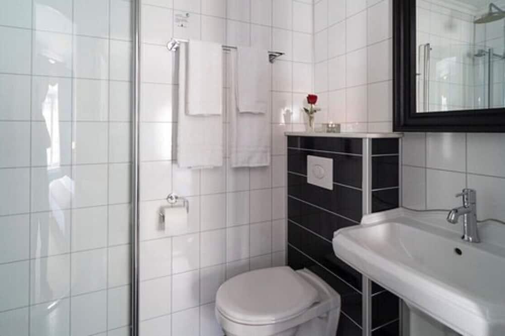 Dobbelt- eller tomannsrom, 1 dobbeltseng - Dusj på badet