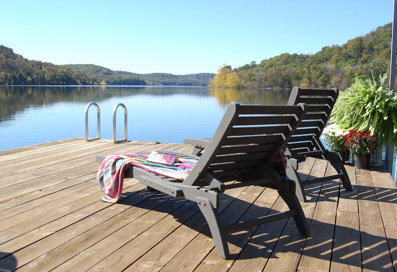 Beaver Lakefront Cabins - Couples Only Getaways, Eureka Springs, Pláž