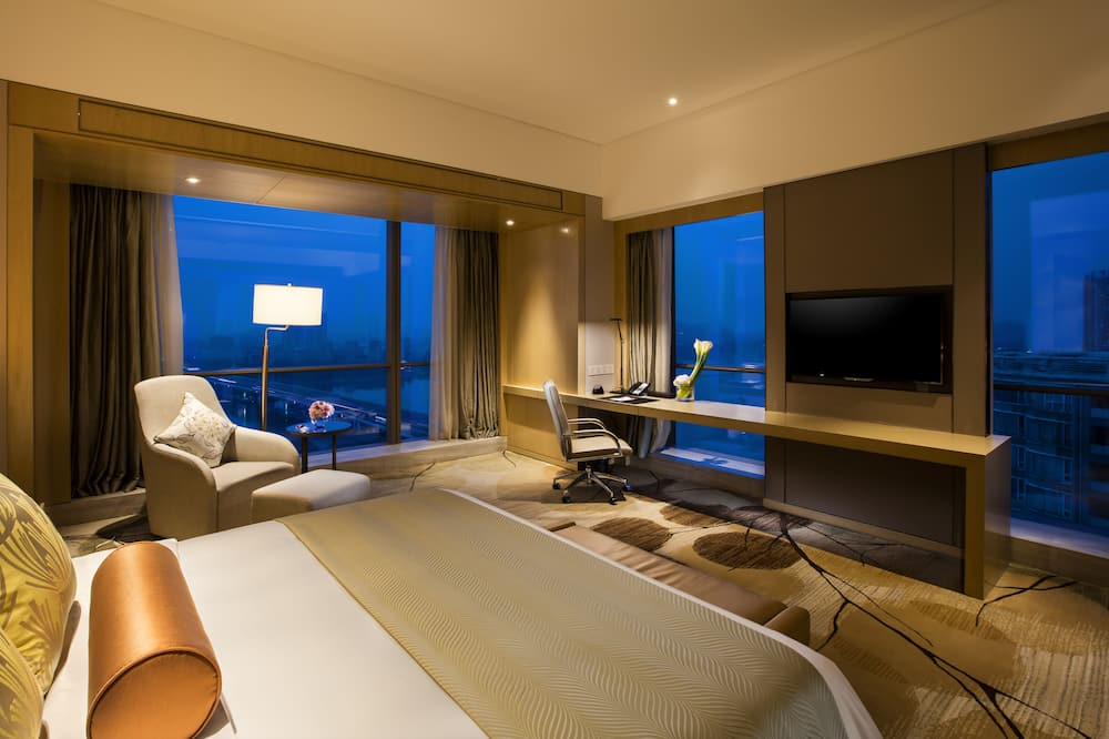 Room, River View (Crowne Plaza) - Guest Room