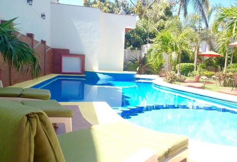 Hotel y Suites Los Encantos, Sayulita, Piscina al aire libre