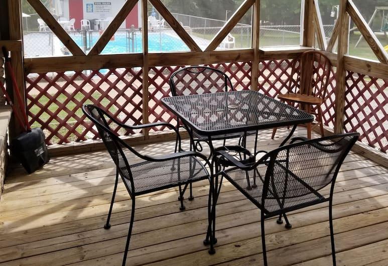 The Cottage Resort, Branson, Premium Cottage, 2 Bedrooms, Pool Access, Terrace/Patio