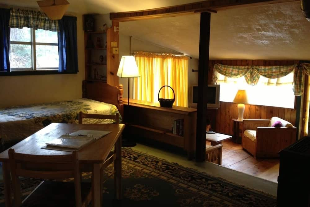 Willow Cottage, 1 Queen Bed, 1 Twin Size Bunkbeds, 1 Full Futon - Житлова площа