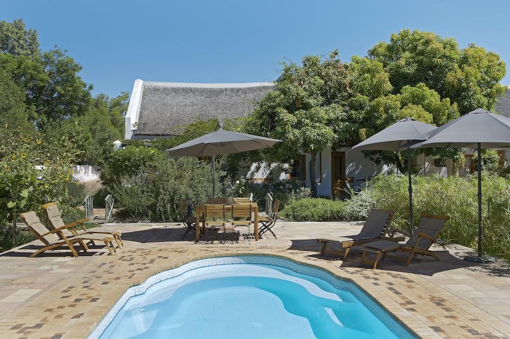 Historical Longhouse Garden Rooms - Profilbild