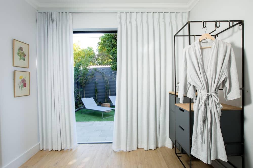 Dobbeltrom for 1 person – luxury, 1 soverom, hageområde - Utsikt fra gjesterommet
