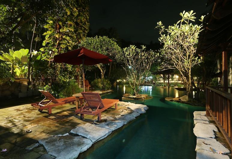 Syariah Hotel Solo, Surakarta, Bazén