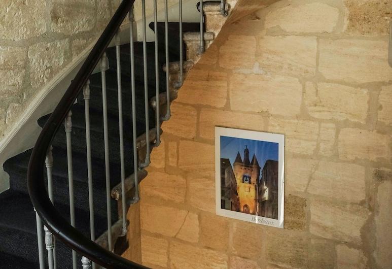 Hôtel Notre Dame, Bordeaux, Hall