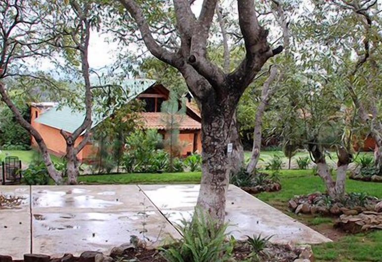 Cabañas La Huerta, Mazamitla, Property Grounds