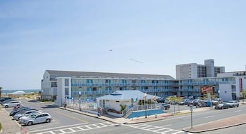 Picture of Thunderbird Beach Motel in Ocean City
