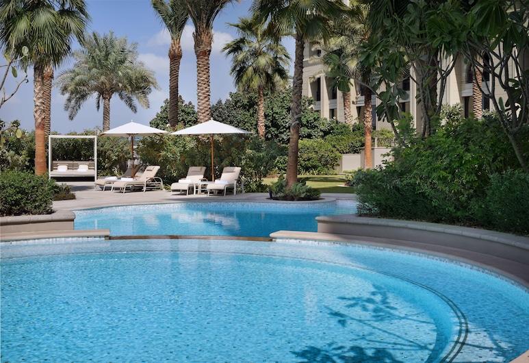 Palazzo Versace Dubai, Dubai, Pool