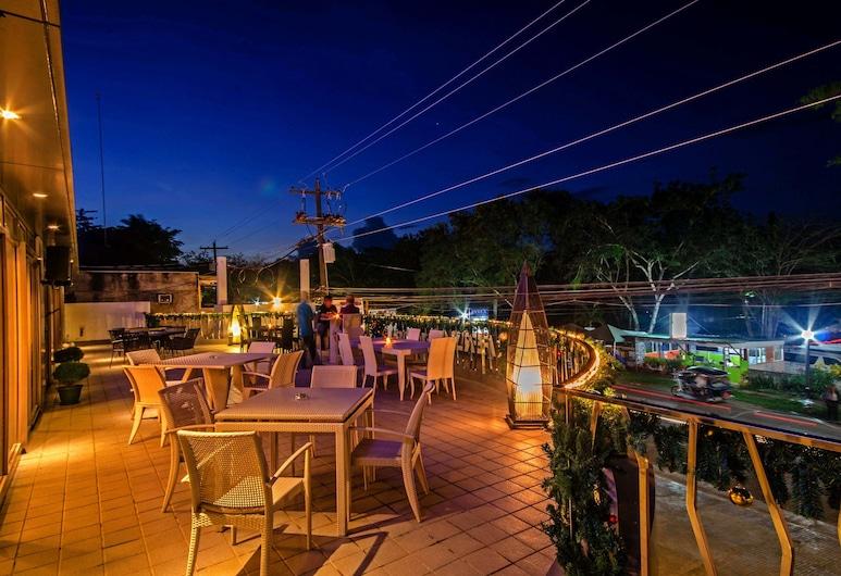 Fersal Hotel Puerto Princesa, Puerto Princesa, Terasa restaurace
