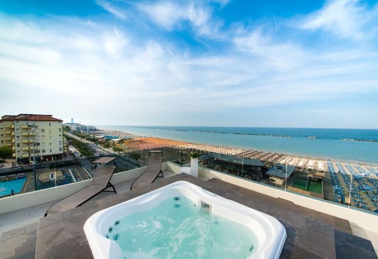 Vista Mare Hotel, Cesenatico, Tina de hidromasaje al aire libre