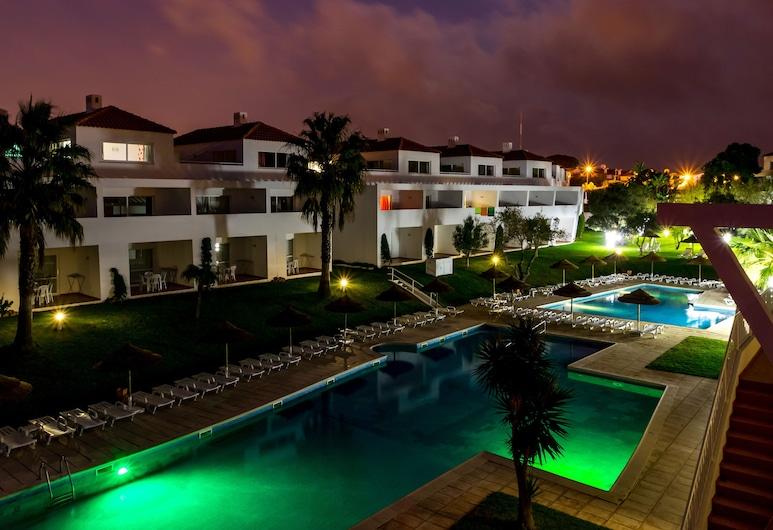 Apartamentos Turísticos Pateo Village, Albufeira, Välibassein