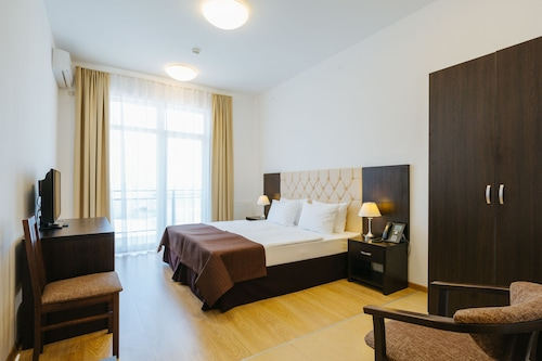 Apart-hotel