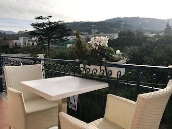 Kuva Bougainvillea Relais-hotellista kohteessa Sorrento