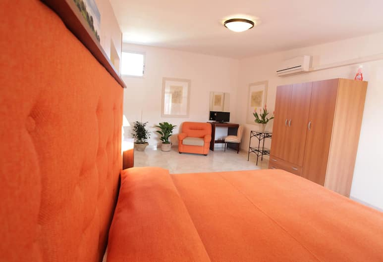 Case Francesco, Ragusa, Traditional Double Room, Non Smoking, City View, Guest Room View