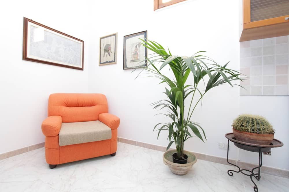 Family Room, 2 Bedrooms, City View - Living Room