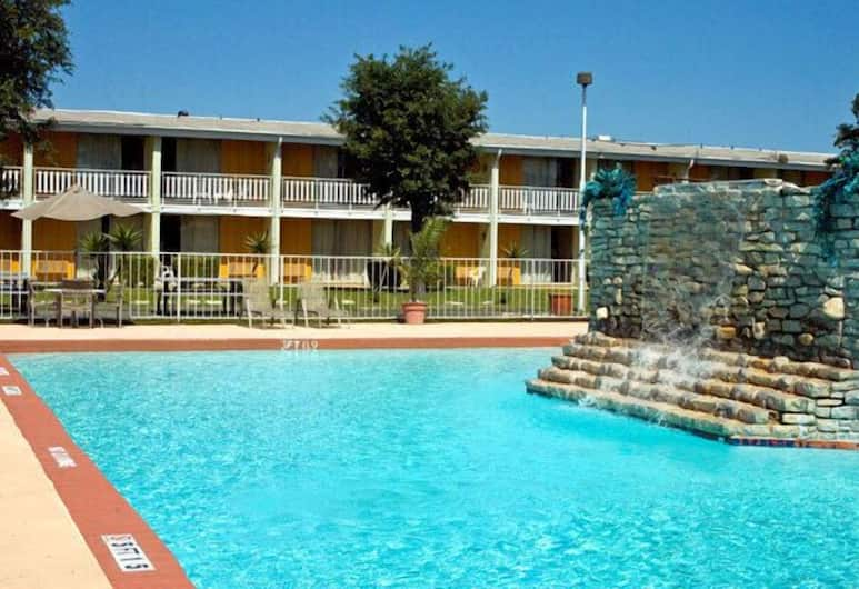Mid Towne Inn and Suites, San Antonio, Açık Yüzme Havuzu