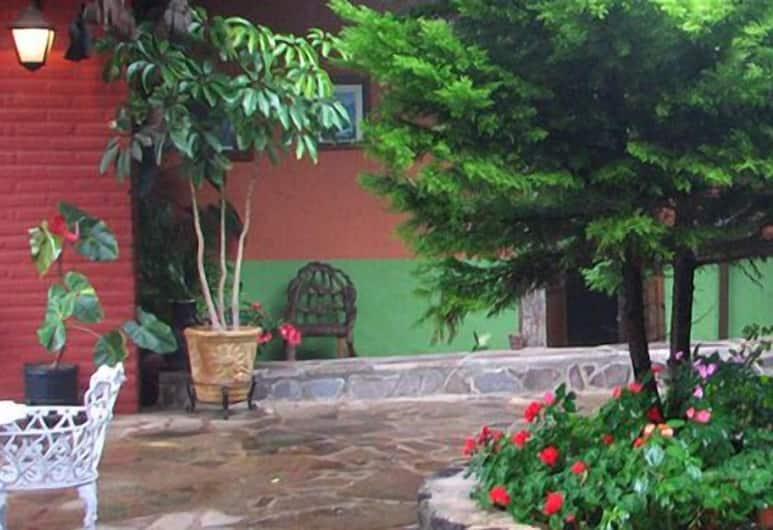 Casa Vieja, Mazamitla, Vườn